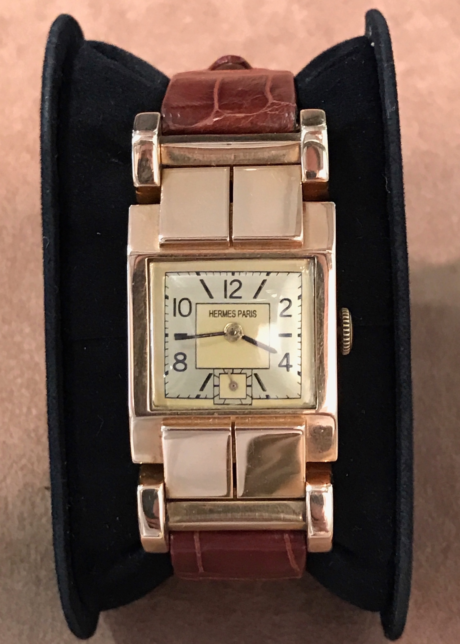 wind yellow id watches j gold circa tank manual wrist wristwatch for sale org bracelet watch at jewelry girod bueche cartier